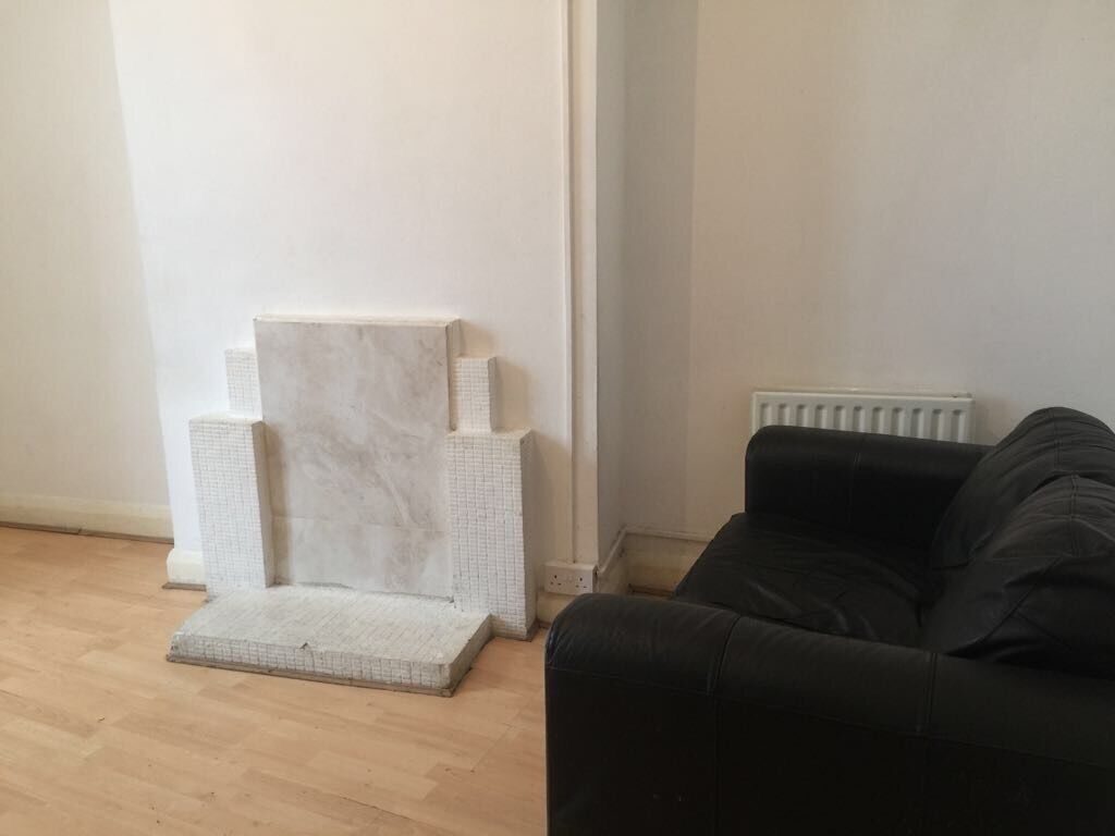 High Quality Two Bedroom Flat To Rent   Bath Road   £1,200 DSS ACCEPTED