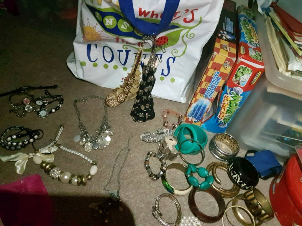 Job lot of costume jewellery and watches & Job lot of costume jewellery and watches   in Leicester ...
