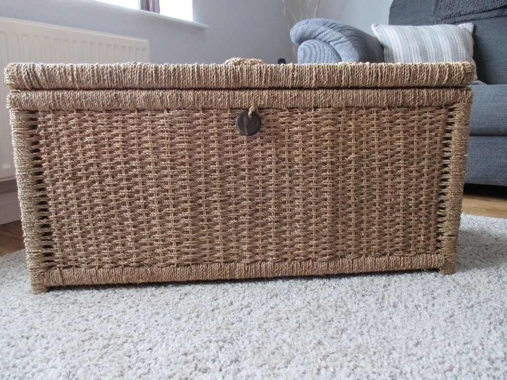 Large Seagrass Storage Chest In Excellent Condition Wisbech