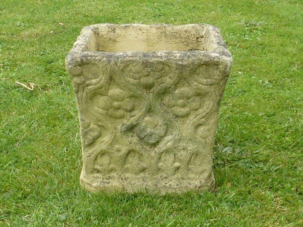 Square Cast Stone Garden Planter With Tudor Pattern Detailing 23cm Tall