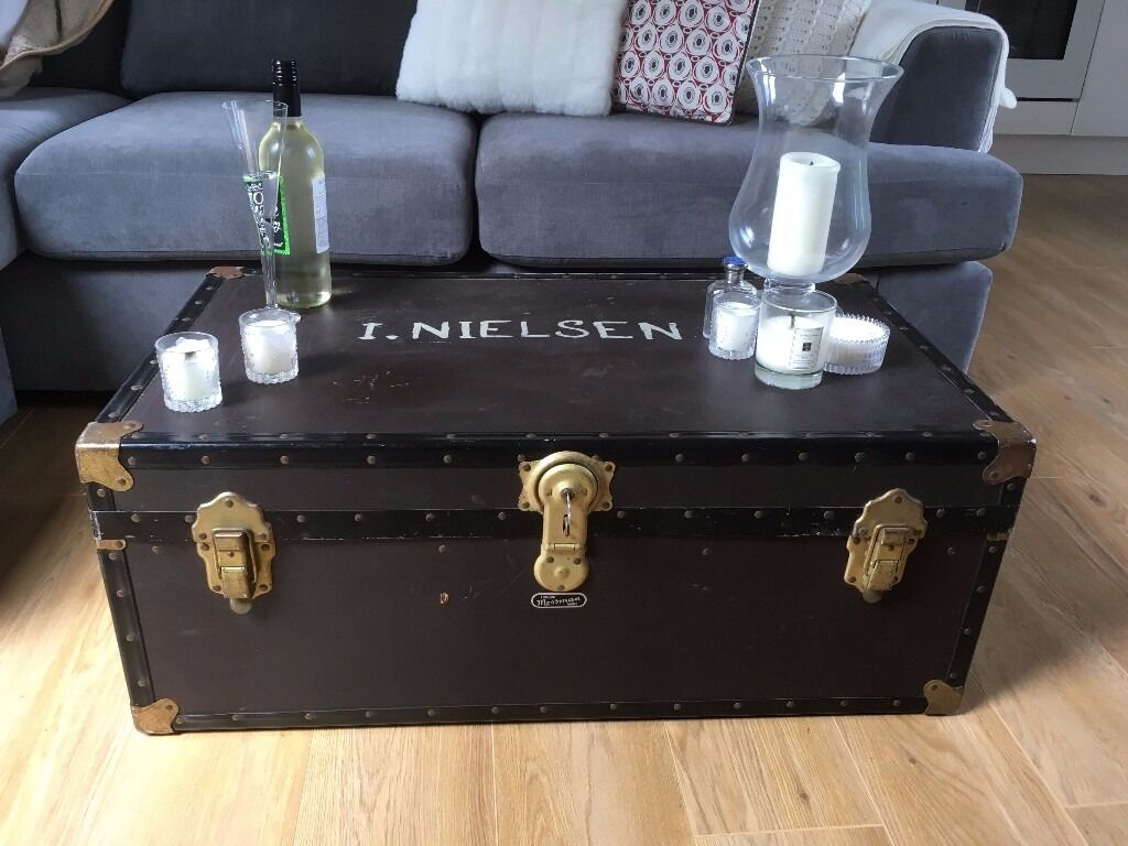 MOSSMAN TRUNK BLACK CHEST COFFEE TABLE 3ft