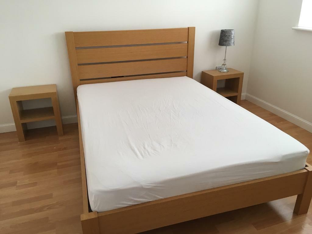 Double Oak Frame Bed And 2 Matching Bedside Tables