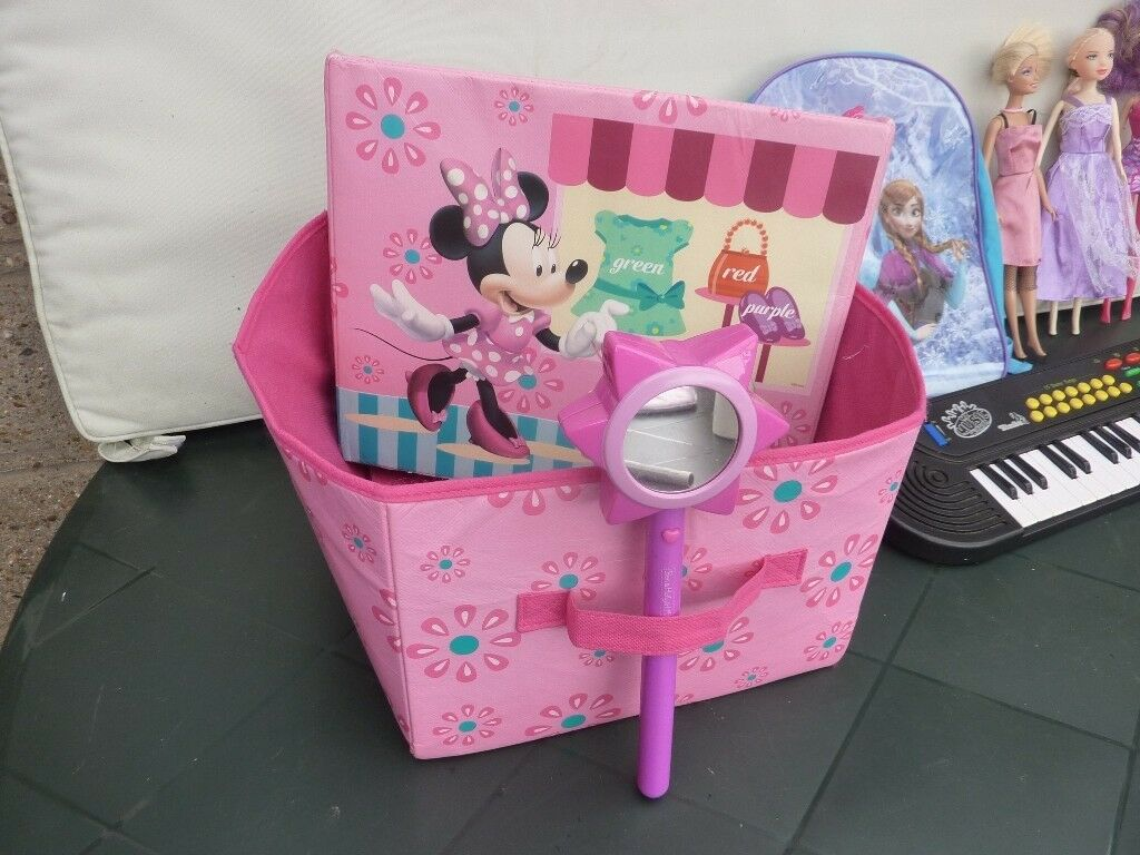 Minnie Mouse Storage Box And Contents