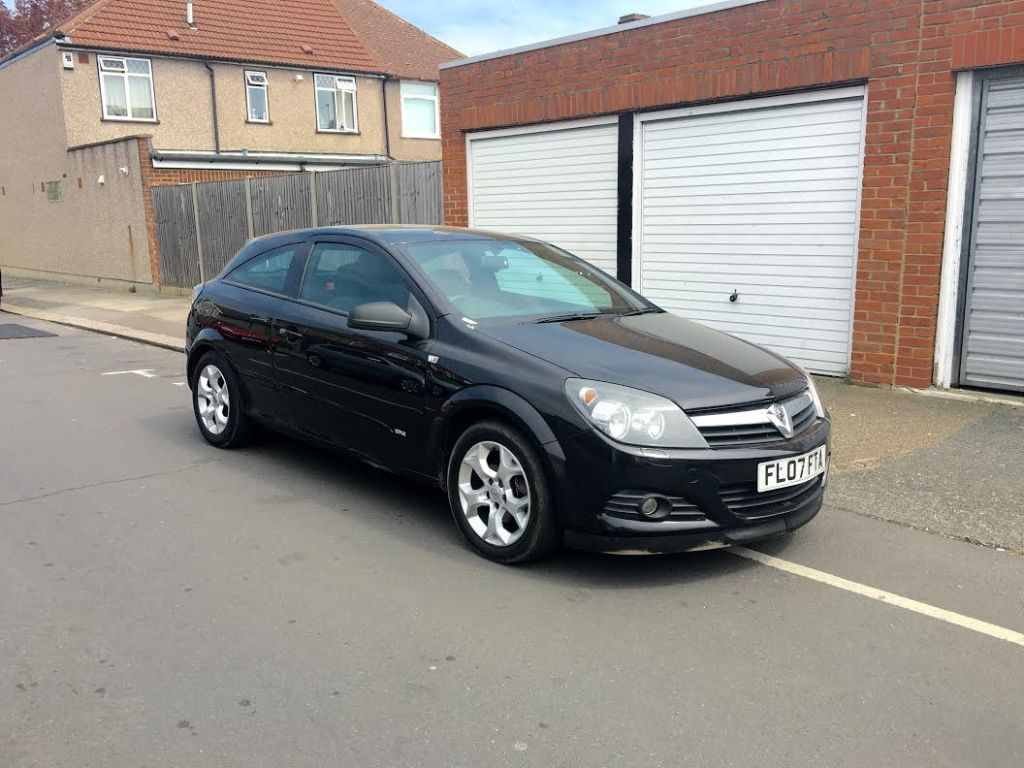 2007 Vauxhall Astra 1.6 Sxi Coupe In Black   £1990