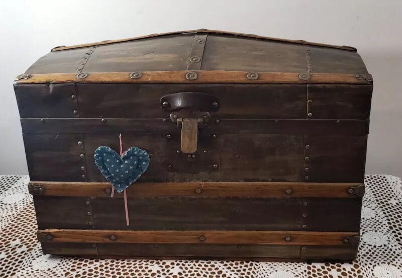 """Rare Antique Small Camelback Treasure Chest Steamer Trunk 20"""""""