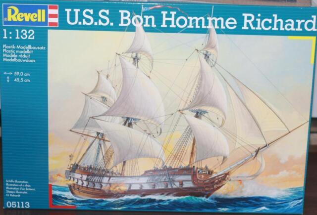 Revell  U.S.S Bon Homme Richard 1:132 Plastik Modellbausatz 05113
