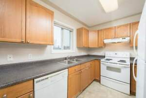 *INCENTIVES* 3 Bdrm Townhome w/Laundry & Dishwasher~ Stony Plain