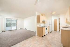 *INCENTIVES* 1 Bdrm w/ Suite Laundry & Balcony in Fort Sask