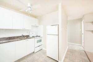 *INCENTIVES* 2 Bdrm in West End Family Bldg~73