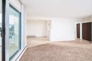 *INCENTIVES* 1 Bd w/ New Flooring & Balcony Near Hospital