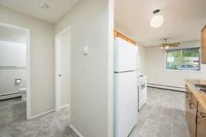 *INCENTIVES*2 Bdrm w/ Balcony in Quiet Family Bldg~192