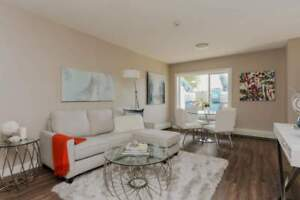 *INCENTIVES* Almost New 2 Bd w/ Laundry & SS Appliances!!