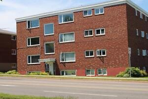 9 CONNAUGHT - WALKING DISTANCE TO UNIVERSITY AND HOSPITALS
