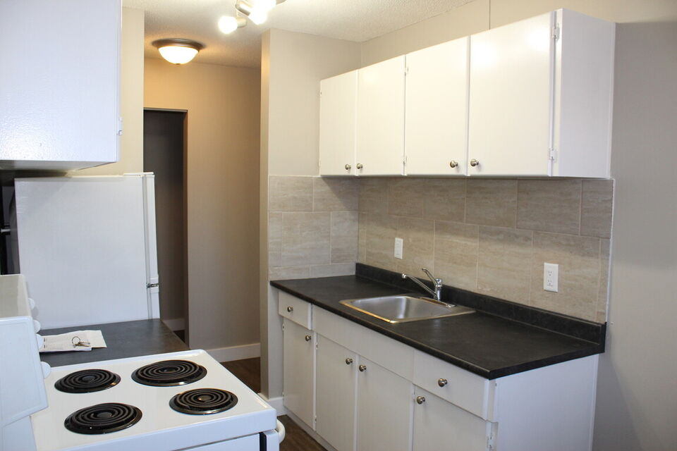Oliver Apartment For Rent   10235 123 Street NW   Long ...