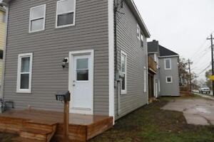 NEWLY RENOVATED DUPLEX - CLOSE TO DOWNTOWN - LIKE NEW!