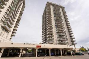 Open House!! Harbour Towers - 35 Brock St - Waterfront 3bd