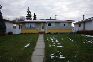 4 Bedroom Home Across From Southgate Mall and LRT!