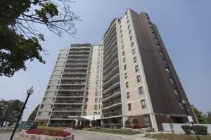 Access to parks and shopping! 30 Godstone Rd.-3bdrm