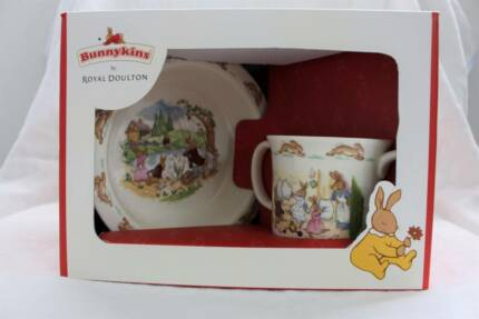 BRAND NEW Bunnykins by Royal Doulton 2 PIECE Baby Set