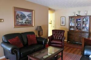 Bachelor Apartment for Rent in Fergus near Community Green Space