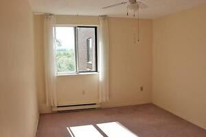 2 Bedroom Apartment for Rent in St. Catharines: Quiet Location
