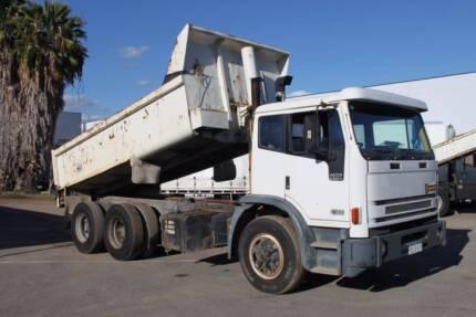 1997 International Acco 2350G Tipper, Stock 724