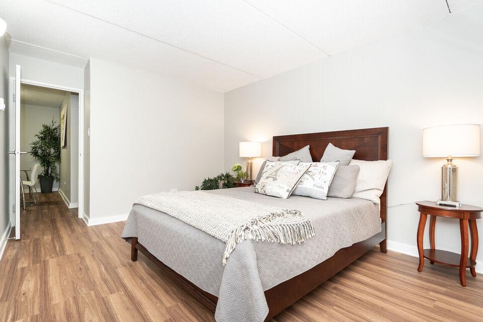 Jr One Bedroom - Near University of Winnipeg - Pet ...
