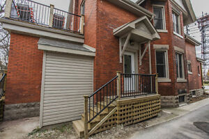 372 Oxford Street East - Main - 2 Bedroom House for Rent
