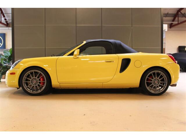 2000 toyota mr2 spyder turbo with 11k miles one of a kind. Black Bedroom Furniture Sets. Home Design Ideas