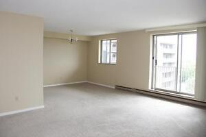 On-site pool! Leamington 3 bedroom penthouse apartment for rent