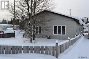 228 Evelyn CRES Timmins, Ontario