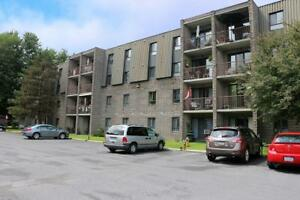 Cornwall 2 Bedroom Apartment for Rent by Eastcourt Mall & Galaxy