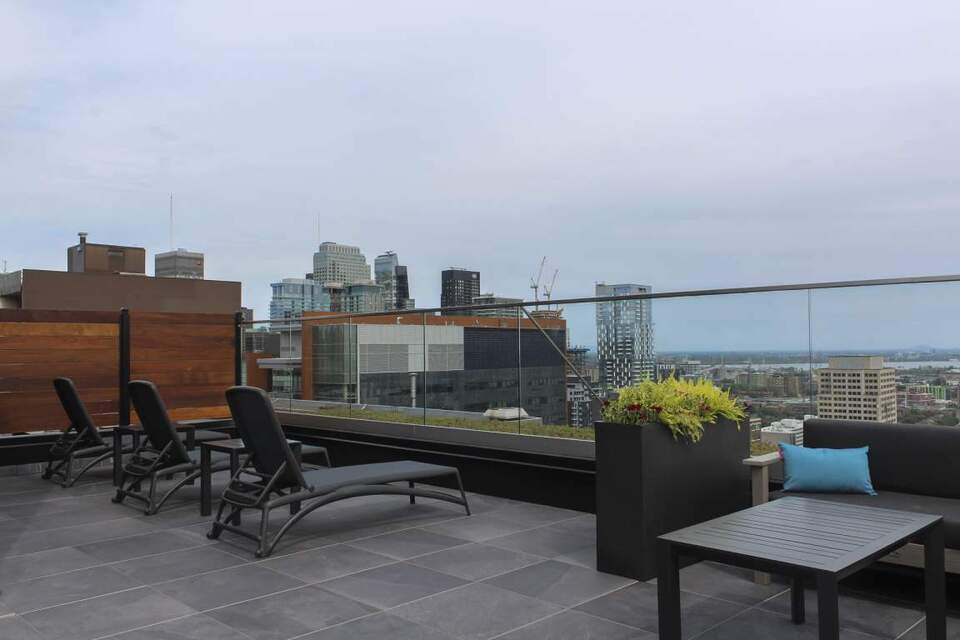 VIE Apartments: Apartment for rent in Downtown Montreal ...