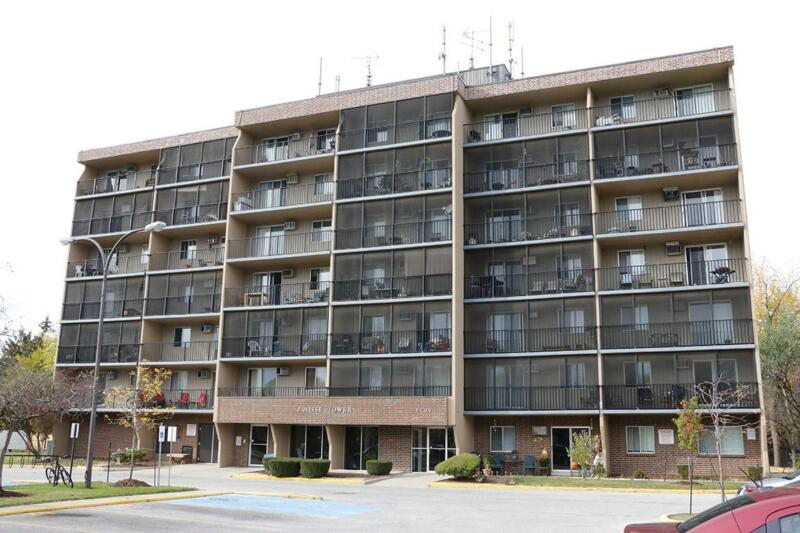 Windsor 1 Bedroom Apartment for Rent: Storage, pet ...