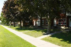 West ParkTownhouse-670 SirJohn A.Macdonald-Kingston Centre-4bdrm