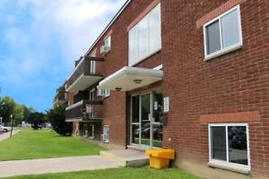 Bachelor apartment for rent in Cornwall by hospital & FreshCo