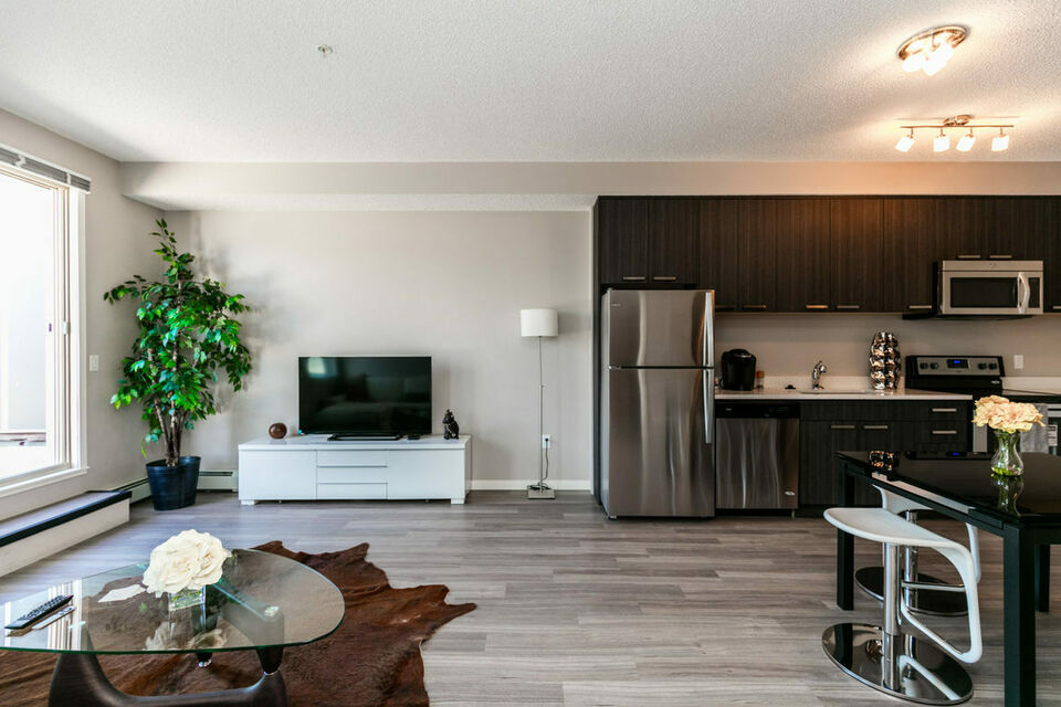 1410 Inglewood - 1 Bedroom Apartment for Rent | Long Term ...