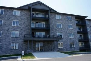 155 Lian St - Top Floor 2 Bed Unit. Huge, Available Now