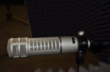 Electro-Voice RE20 Dynamic Cardioid Professional Microphone