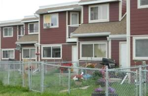 Premier Court - 3 Bedrooms Townhome for Rent