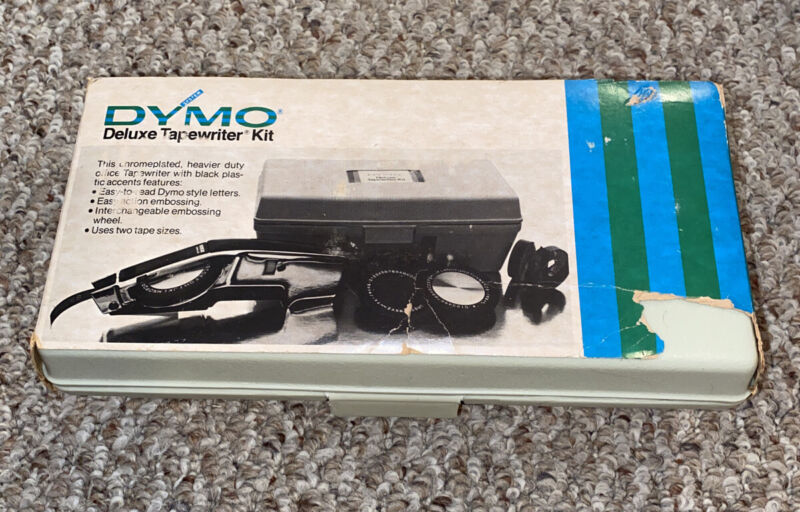 VINTAGE DYMO 1570 DELUXE TAPEWRITER KIT IN CASE - Fantastic Condition!