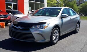 2015 Toyota Camry LE, Bluetooth Very Low KM!