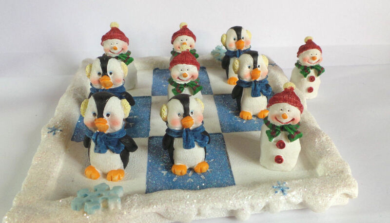 Avon Tic-tac-toe, Winter Buddies, 2002, Collectible, Penguins & Snowmen
