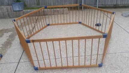 10 panel Wooden Playpen