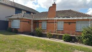 BARGAIN Property - Perfect Location! Oakleigh Monash Area Preview