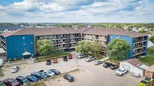 Stroud Place  - 3 Bedrooms Apartment for Rent