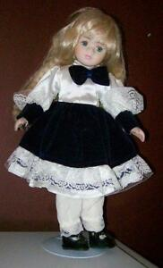 LOW, LOW Prices on Porcelain Collectable Dolls Stratford Kitchener Area image 8