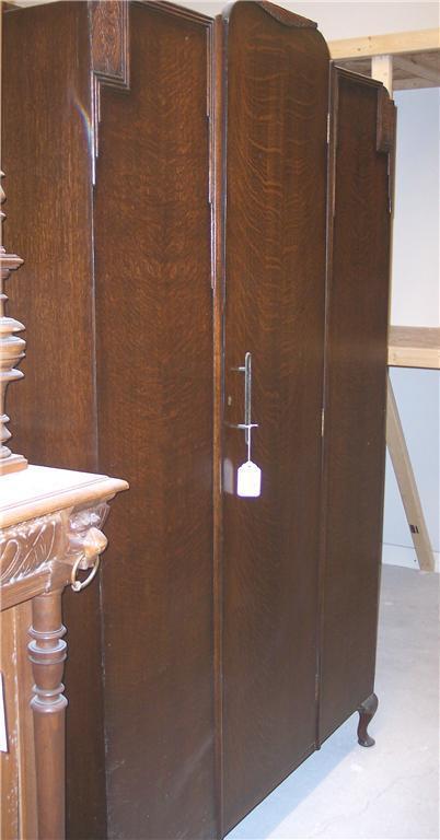 Quartersawn Oak Wardrobe Armoire
