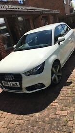 White Audi A1 1.6 TDI Sport 3dr 1 previous owner full service history