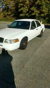 2008 Ford Crown Victoria fully loaded